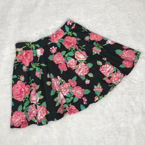 AMBIENCE APPAREL   Floral Skirt   Medium (juniors)